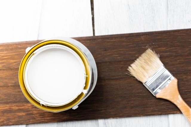 外壁塗装で塗料の種類は?種類や耐用年数、費用・相場を徹底解説!