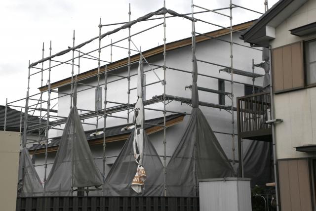 屋根の葺き替え時期の目安とリフォーム費用や相場を解説!